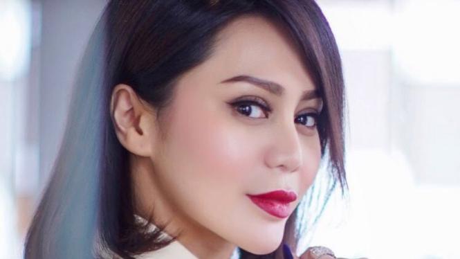 Vicky Zainal.