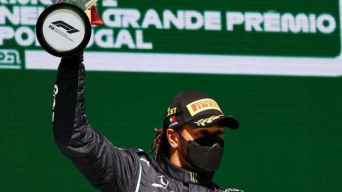 Pembalap Mercedes-AMG Petronas, Lewis Hamilton.