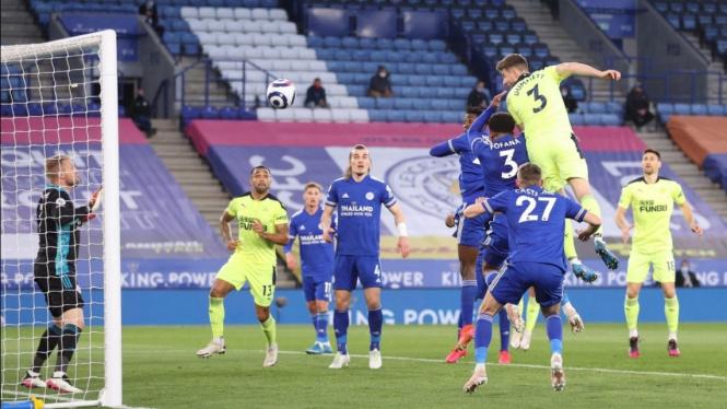 Duel Leicester City vs Newcastle United dalam lanjutan Premier League 2020/21.