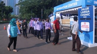 Vaksinasi Covid-19 di Istora Senayan.