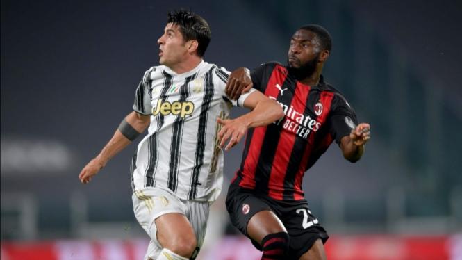 Pertandingan Juventus vs AC Milan dalam lanjutan Serie A 2020/21.