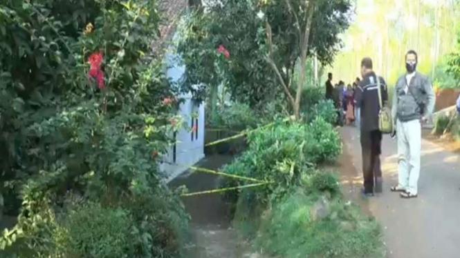 Rumah seorang ibu dan anak di Kendal ditemukan tewas di kamar mandi
