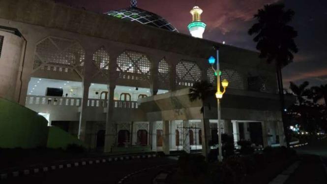 Masjid Agung Al-Amjad, Tangerang.