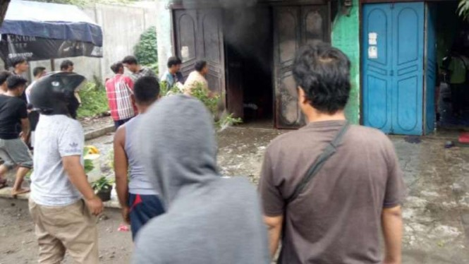 Ruko di Medan terbakar.