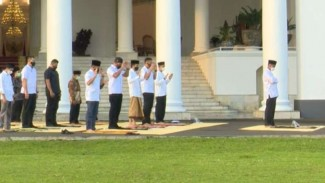 Presiden Jokowi salat Id di Istana Bogor pada 13 Mei 2021