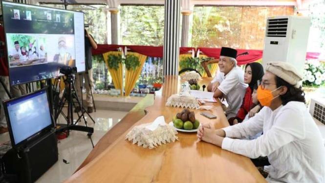 Gubernur Jawa Tengah melakukan open house virtual