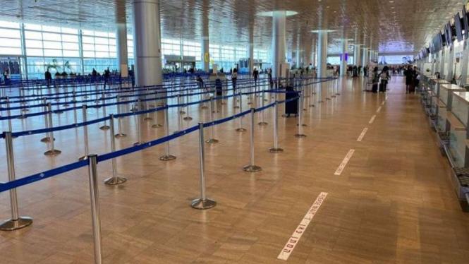 Suasana area terminal keberangkatan di Bandara Internasional Ben Gurion di Lod