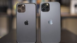 iPhone 12 vs iPhone 13 (ilustrasi).