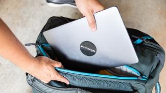 Tas laptop.