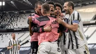 Pemain Juventus merayakan gol ke gawang Inter Milan