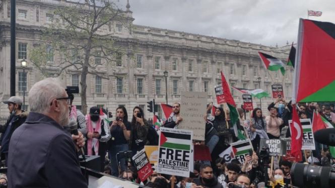 Ribuan warga London mendukung pembebasan rakyat Palestina.