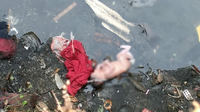 Bayi Laki-Laki Di temukan Dipinggir Kali Jelawai, Kebayoran Baru.