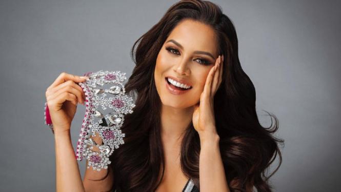 Miss Universe 2020, Andrea Meza dari Meksiko.