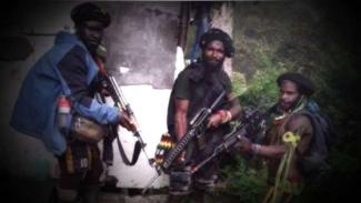 VIVA Militer: Kelompok teroris OPM pemer senjata lars panjang