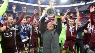 Skuad Leicester City merayakan gelar juara Piala FA.