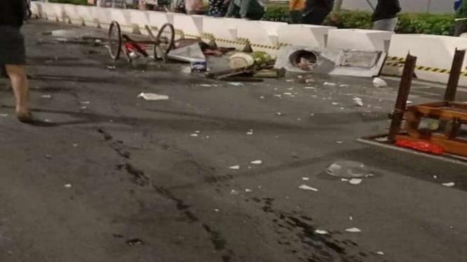 Penjual mie ayam ditabrak di depan Ratu Plaza