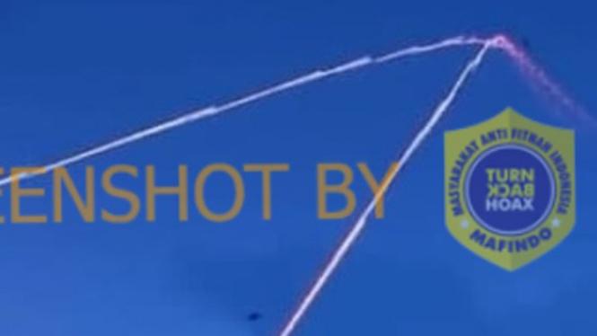 Sebuah postingan menyebut pesawat tempur Israel berjatuhan.