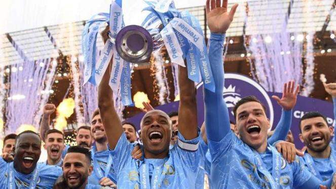 Manchester City juara Premier League 2020/21.