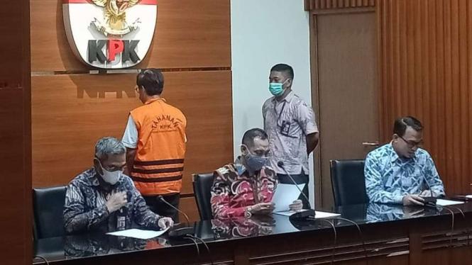 Yoory Pinontoan Tersangka Korupsi Lahan.