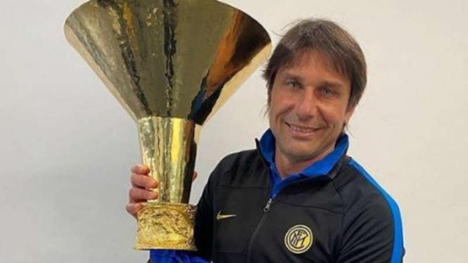 Antonio Conte membawa Inter Milan merebut Scudetto.