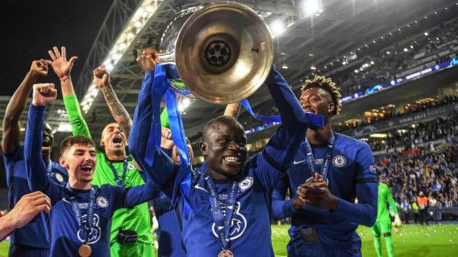 Selebrasi para pemain Chelsea usai menjuarai Liga Champions