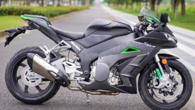 Replika Kawasaki Ninja ZX-10R buatan China.