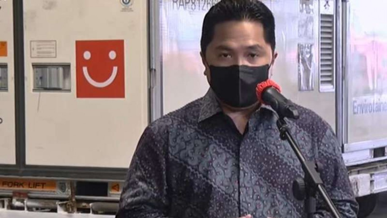 Menteri BUMN Erick Thohir saat menyambut kedatangan vaksin COVID-19 di Terminal Kargo, Bandara Soekarno-Hatta, Tangerang, Banten, Senin, 31 Mei 2021.