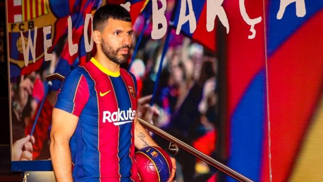 Sergio Aguero ketika diperkenalkan jadi rekrutan Barcelona