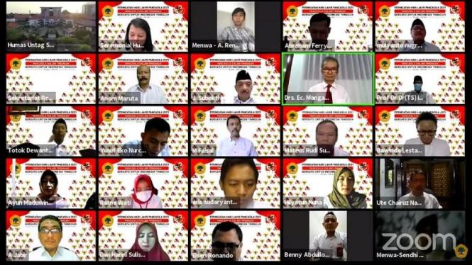 Tangkapan Layar Streaming YouTube Untag Surabaya upacara virtual Harlah Pancasila.