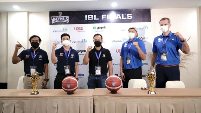 Konferensi pers jelang final IBL 2021 antara PJ dan SM