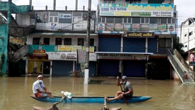 Jalanan di Kolombo, Sri Lanka terendam banjir