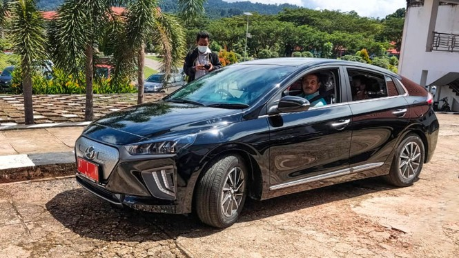 Hyundai Ioniq jadi mobil operasional Bupati Konawe Utara.
