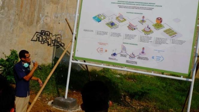 Peresmian pembangunan fasilitas umum berkonsep hijau alias ramah lingkungan, Taman Edukasi Sungai Citarum, di Sektor 19, Kampung Bojong, Rengasdengklok, Kabupaten Karawang, Jawa Barat, Selasa, 8 Juni 2021.