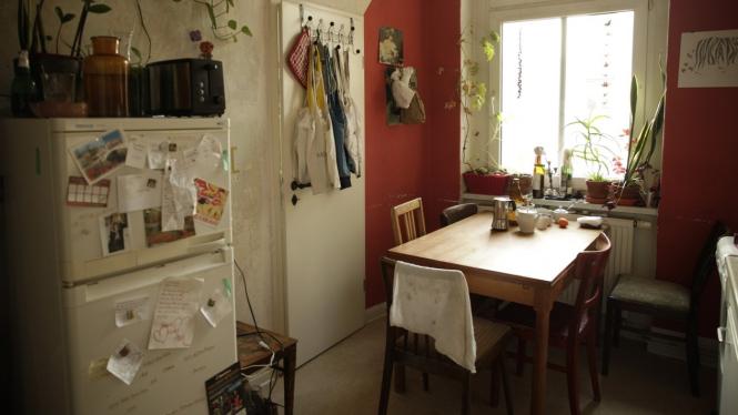 Ilustrasi kulkas, dapur dan meja makan