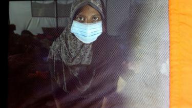https://thumb.viva.co.id/media/frontend/thumbs3/2021/06/08/60bf443d7ede7-pengungsi-rohingya-tiba-di-aceh-setelah-perahu-mereka-berada-di-lautan-selama-113-hari_375_211.jpg