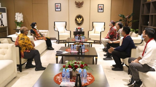 Mensos Risma menerima audiensi pengurus DPP GMNI, Jakarta (08/06)