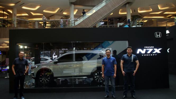 Mobil konsep Honda N7X dipamerkan di Bandung.