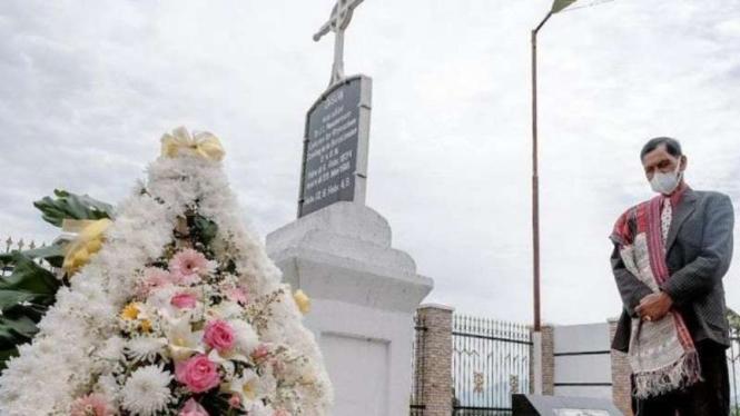Makam Misionaris Dr. Ingwer Ludwig Nommensen di Toba Samosir