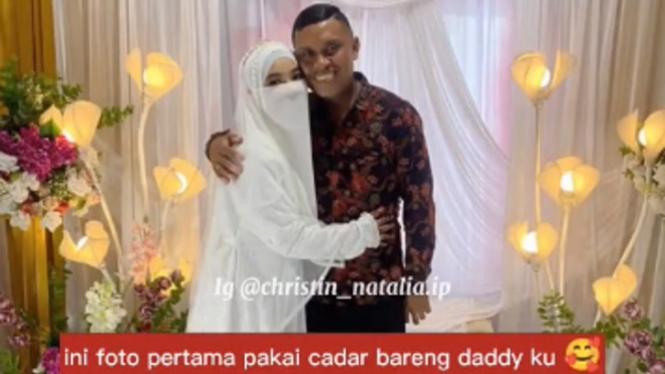 Viral video pendeta hadiri pernikahan anaknya yang muslim bercadar (TikTok/cristinnatalia.10)