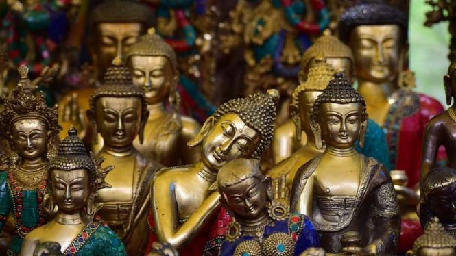 Ilustrasi patung Buddha.