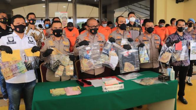 Polisi tangkap preman yang menarik pungutan liar kepada sopir kontainer di Priok