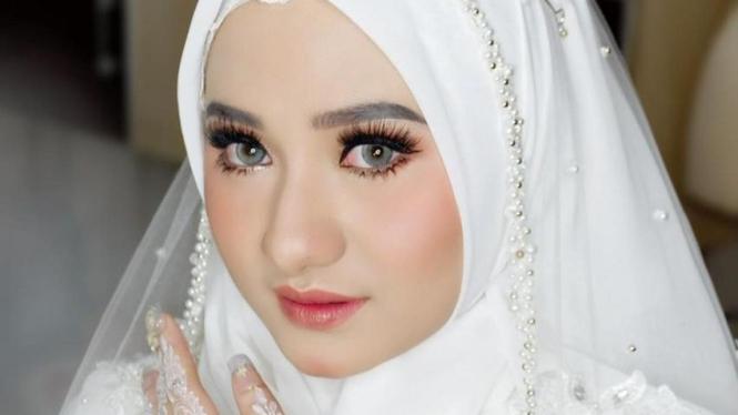 Nadzira Shafa, istri Muhammad Ameer Azzikra