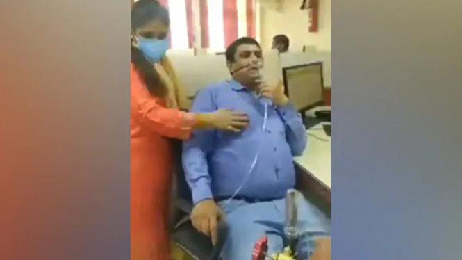 Pria India dipaksa bekerja meski belum sembuh COVID-19.