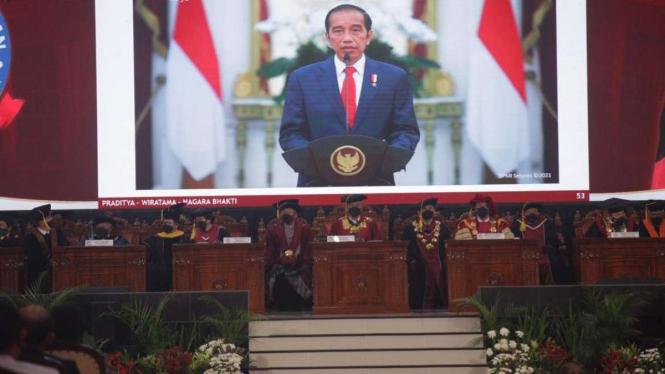 Presiden Jokowi Beri Sambutan Usai Megawati Soekarnoputri Diberi Gelar Profesor