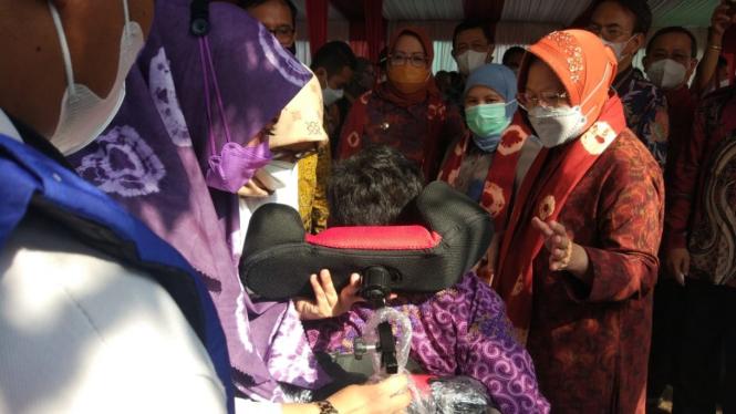 Mensos Tri Rismaharini meresmikan Sentra Kreasi Atensi (SKA) di Balai Rehabilitasi Sosial Disabilitas Mental Ciung Wanara Cibinong, Bogor.
