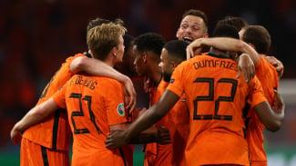 Pemain Timnas Belanda merayakan gol ke gawang Ukraina
