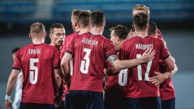 Pemain Timnas Republik Ceko rayakan gol.