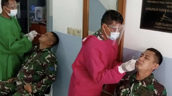VIVA Militer: Prajurit Lantamal III TNI AL gelar rapid tes Antigen secara massal