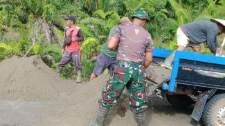 VIVA Militer: Personel TNI AD melaksanakan TMMD di wilayah perbatasan Nunukan