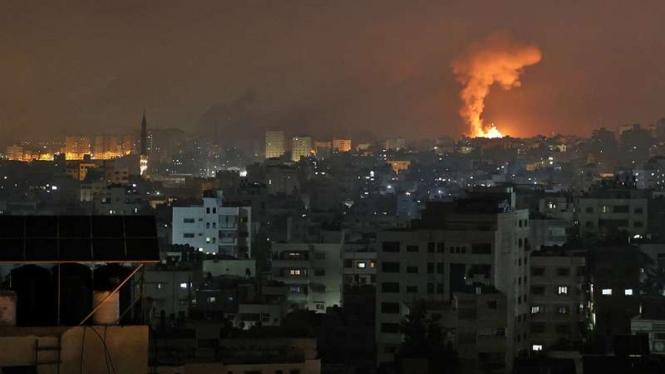 VIVA Militer: Ledakan di Gaza, Palestina, akibat serangan udara militer Israel